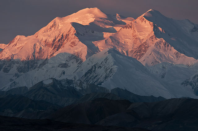 Mount_McKinley,_Sunrise_(6473159529)