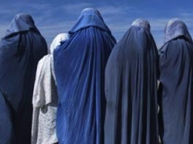 afghan-women-burqa-reuters-670
