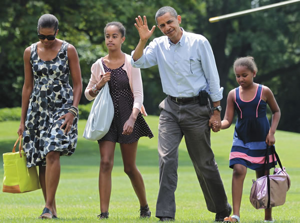 obama-vacation-with-family free use
