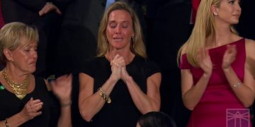 Dam Left Attacks Widow of Navy SEAL After Trump's Tribute